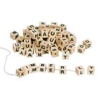Assortiment de lettres-cubes en bois
